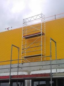 Rollgerüst für Fassadenarbeiten in Köln Aufgebaut - durch Kunden !
