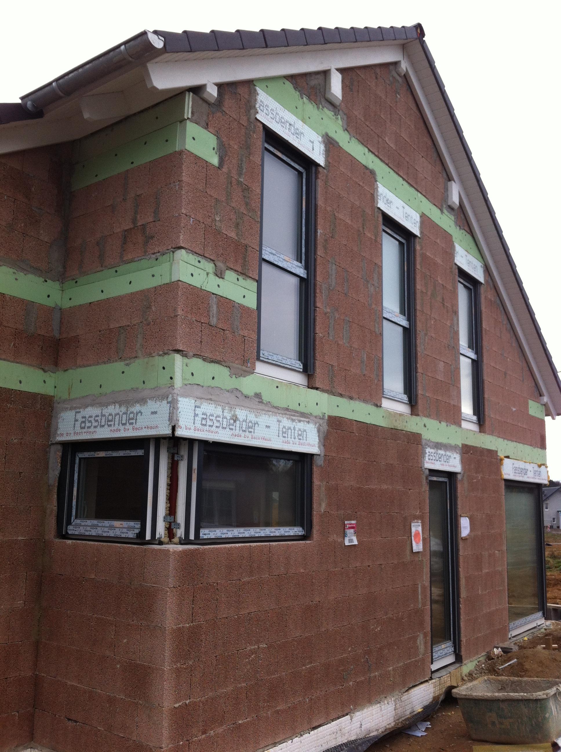 Einfamilienhaus Mettmann Gerüst Fassadenarbeiten Putz und Maler