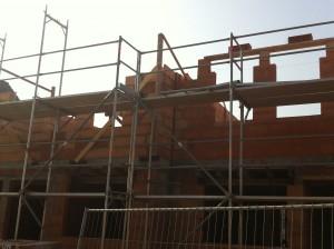 Schutgerüst für Rohbau und Dacharbeiten